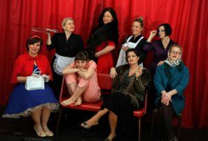 """""""8 Frauen"""" - Krimikomödie mit Musical-Elementen von Robert Thomas @ Alte Rösterei"""